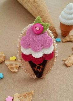 ice-cream-cone-felt-snap-hair-clip