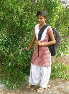 Beautiful Girl In India, Beautiful Girl Photo, Stylish Girl Images, Stylish Girl Pic, Beautiful Bollywood Actress, Beautiful Indian Actress, College Girl Photo, College Girls, Dehati Girl Photo