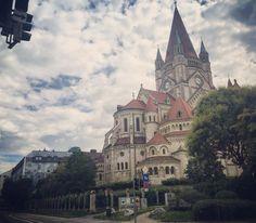 Instagram의 YEONY Yeon 님: Thank you lord for letting missing for you . . . #오스트리아 #비엔나 #vienna #austria #wien #여행 #여행스타그램 # #심쿵 #하늘