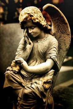Angel Statue (Larmes) by be great in my garden Cemetery Angels, Cemetery Statues, Cemetery Art, Angels Among Us, Angels And Demons, Père Lachaise Cemetery, Statue Ange, Sad Angel, Sculptures