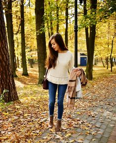 Fall outfit, jeans and boho blouse #ootd #fall #outfit #look #autumn #denim #blouse #shein