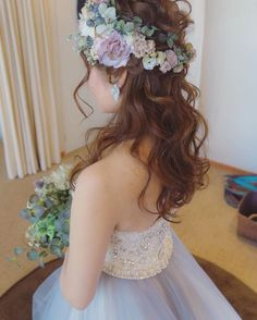 Pin by Yoko on Hairstyle in 2019 Bridal Hairdo, Hairdo Wedding, Flower Hair Pieces, Flowers In Hair, Bridal Hair Inspiration, Hair Arrange, Floral Hair, Bridal Hair Accessories, Wedding Looks