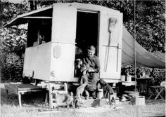 Emily Carr on the steps of the travelling caravan that was her art studio in the forests, The Grey Elephant, 1934 Emily Carr, Canadian Painters, Canadian Artists, Group Of Seven, National Art, Country Artists, Artist At Work, Female Art, Illustrations Posters