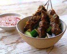 Beef Satay with Spicy Peanut Sauce
