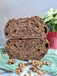 Tmavý chlieb s quinoou a orechmi   Recepty - Mykitchendiary.sk Decorative Boxes, Bread, Instagram, Food, Brot, Essen, Baking, Meals, Breads