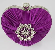 Purple and lilac evening bag Purple Love, All Things Purple, Shades Of Purple, Purple Hearts, Magenta, Purple Handbags, Purple Purse, Purple Clutches, Clear Handbags