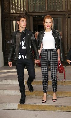 Bella Thorne and Gregg Sulking arrived at their first fashion show together during NYFW and the inseparable pair actually dressed in the same exact outfit! Fashion Couple, Fashion Show, Fashion Outfits, Fashion Trends, Celebrity Couples, Celebrity Style, Gregg Sulkin Bella Thorne, Bella Throne, Famous In Love