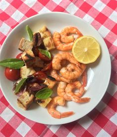 10 minutes to prep this healthy and fresh meal! Grilled Shrimp Panzanella