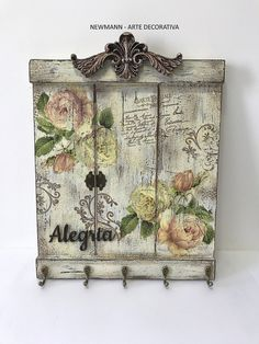 Arte Pallet, Wood Pallet Art, Wood Art, Decoupage Vintage, Decoupage Box, Coffee Table Design, Love Wood Sign, Craft Shed, Stenciled Table