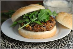 Black Bean Quinoa Veggie Burger!!
