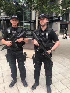 Cops wearing a Wristwatch Police Officer Uniform, Men In Uniform, Hot Cops, Law Enforcement, Guys, How To Wear, Fire, Ambulance, Soldiers