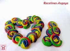 Rainbow Cookies / Galletas Arcoiris para el Cumple de Iyán_RECETINES ASGAYA Cupcake Cakes, Cupcakes, Mantecaditos, Quiches, My Recipes, Crochet Necklace, Cookies, Blog, Bow Braid