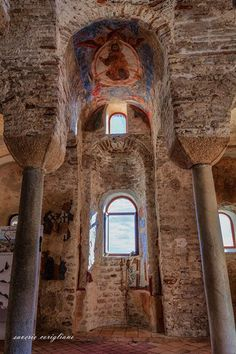 """""""The 'Cattolica' Byzantine church in Stilo is the town's most famous attraction. It was first built in the 9th century with a square plan with a cross arrangement typical of the middle Byzantine era. The dome of the central area is higher than the others almost creating an appearance of small turrets from the outside. Frescos dating from Norman times were only discovered on the interior walls in 1927.""""  Discover Calabria's rich history: http://ift.tt/2mFqlql  Grazie mille Saverio Corigliano…"""