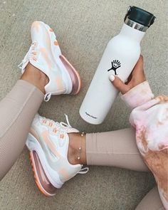 Fitness Motivation, Fitness Goals, Fitness Wear, Athleisure, Photos Fitness, Outfits Spring, Healthy Starbucks, Starbucks Drinks, Hype Shoes