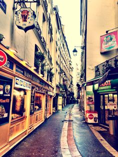 Latin Quarter Paris - University of Paris- les deux magots  Cafes near Boulevard Saint Germain & Boulevard Saint Michelle