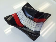Beautiful color combinations on this Origami Bowl!  --Glassateria