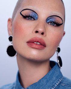 Glowy Makeup, Eye Makeup Art, Makeup Inspo, Makeup Inspiration, Beauty Makeup, Hair Makeup, Bleached Eyebrows, Fashion Editorial Makeup, Makeup Eyeshadow Palette