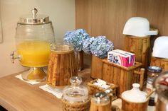 Mesa de café da manhã para a família toda (Foto: Michelle Moll)