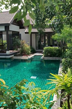 Innerhalb von Anantara Lawana Koh Samui Backyard design with pool Innerhalb von Anantara Lawana Koh Samui - Wasser Bett
