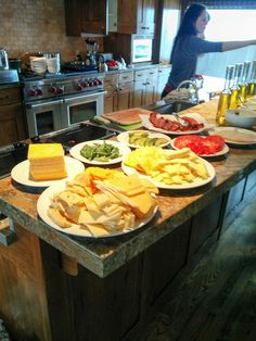 Love the idea of a Grilled Cheese Bar Dinner party. So much fun!