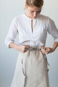Sunday Suppers | Bistro Apron | 100% Linen