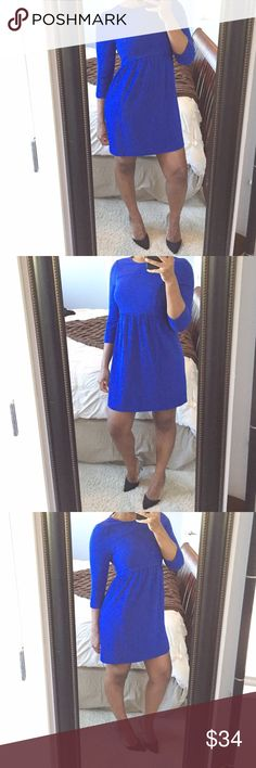 ✋FINAL MARKDOWN✋Casual Zara Shift Dress!! Bold and vibrant cobalt blue colored shift dress featuring 3/4 inch sleeves, high neck cut, a concealed zipper on back and faux pockets on front!! Size med but best for a size small. Gently used condition! Zara Dresses