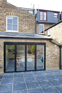 lean to victorian terrace extension Brick Siding, House Siding, Victorian Terrace, Victorian Homes, Victorian Kitchen, Barbacoa, Loft Conversion Roof, Loft Conversions, Rear Extension