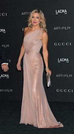Kate Hudson shows off her killer body in a tightgown.
