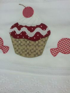 Pano de prato!!!lia bordados