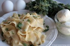 Pasta fonduta is a little-known Italian dish, but if it were from the Levant, it might be something like this. It comes by way of my cousins, who were here for a short visit that involved lots of c… Pasta Bar, Israeli Food, Veggie Tales, Italian Dishes, Tasty Dishes, Pasta Recipes, Entrees, Veggies, Lunch