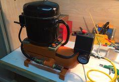 COMPRESOR TITO.              Compresor casero, hecho con motor de nevera y extintor.