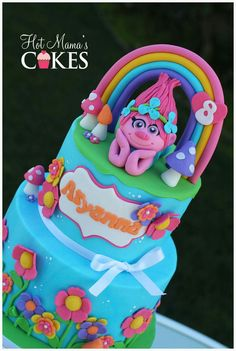 Trolls Fondant, Bolo Trolls, Trolls Cakes, Pretty Cakes, Cute Cakes, Little Girl Cakes, Poppy Cake, Movie Cakes, 4th Birthday Cakes