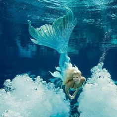 A Weeki Wachee mermaid wearing a gorgeous Merbella Studios silicone tail for the 2017 mermaid calendar. This tail went on to be sold to The house of Flynn - who is a mermaid tail collector. Fantasy Mermaids, Unicorns And Mermaids, Real Mermaids, Mermaids And Mermen, Pics Of Mermaids, Siren Mermaid, Mermaid Fairy, Mermaid Tale, Tattoo Mermaid