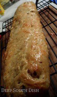 Deep South Dish: Sausage and Cheese Bread Sausage Bread, Sausage Recipes, Cooking Recipes, Hot Sausage, Cajun Recipes, Bread Dough Recipe, Biscuit Recipe, Sausage Breakfast, Breakfast Recipes