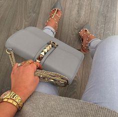 Women's Handbags For Every Occasion : Valentino Rockstud bag and heels Fashion Handbags, Purses And Handbags, Fashion Bags, Fashion Accessories, Womens Fashion, Cheap Handbags, Cheap Purses, Fashion Purses, Popular Handbags