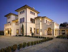 Italian-look villa - Shiflet Group Architects