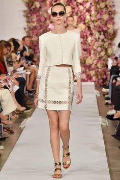 LACE application. Oscar de la Renta Spring 2015 Ready-to-Wear - Collection - Gallery - Look 1 - Style.com
