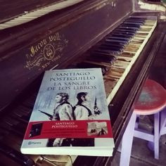 "Reseña sobre el libro ""La sangre de los libros"" de Santiago Posteguillo Music Instruments, Cover, Books, Riddles, World, Book Lovers, Great Books, Free Time, Recommended Books"