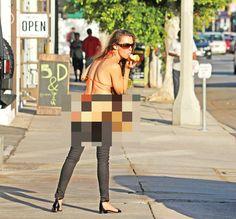 FOTO HOT! N-a avut niciun pic de ruşine! Cum a ieşit această femeie pe stradă, în plină zi! I se vede TOT - http://dailynews24.info/foto-hot-n-a-avut-niciun-pic-de-rusine-cum-a-iesit-aceasta-femeie-pe-strada-in-plina-zi-i-se-vede-tot/