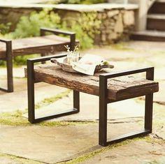 Una deliziosa ed elegante seduta / tavolino con #legno di recupero, da…