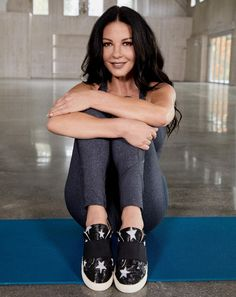 Catherine Zeta Jones, Strike A Pose, Photo Editor, Active Wear, Footwear, Sporty, The Incredibles, Poses, Lady