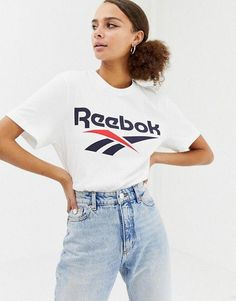 Tshirt Photography, Clothing Photography, Reebok Clothes, Sportswear, Tee Shirts, T Shirts For Women, Outfits, Inspiration, Model