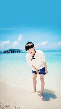 Read V from the story BTS Wallpaper ✔ by Ho_Seoks_Wife (Hobi's🌙) with 233 reads. Kim Taehyung, Jimin Jungkook, Bts Bangtan Boy, Daegu, Korean Boy Bands, South Korean Boy Band, Bts Memes, Jung Hoseok, K Pop