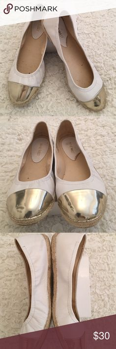 Nine West women's leather ballet flats Beautiful white/gold comfy leather ballet flats. Hardly worn. Reasonable offers will be accepted! Nine West Shoes Flats & Loafers