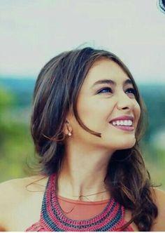 Most Beautiful People, Beautiful Smile, Beautiful Women, Black Photography, Turkish Actors, Beauty Women, Fashion Beauty, Hair Beauty, Actresses