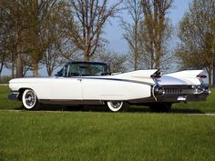 1959 Cadillac Eldorado Biarritz:  THE car to drive on a Sunday afternoon.  It's too long to fit in my garage, however. #classiccars1959cadillac