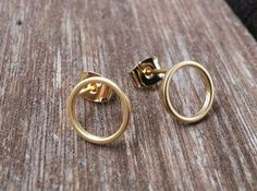 http://de.dawanda.com/product/91470843-goldencircle---vergoldete-ohrstecker