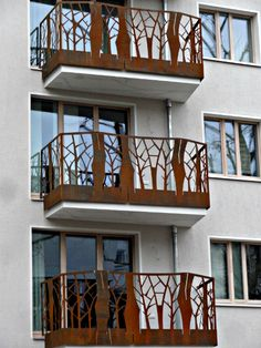 Der Balkon BAL 1000 ist die Umsetzung eines Naturthemas mit natürlichen Materialien. Eine perfekte gestalterische Arbeit von Holger Schweitzer und Beate Emanuel.