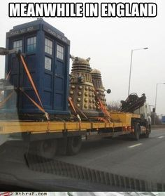 Meanwhile in Britain. Daleks and the Tardis. Doctor Who The Doctor, Serie Doctor, Tenth Doctor, Doctor Who Meme, Dr Who, Torchwood, David Tennant, The Maxx, Supernatural