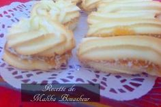 Cakes dry a la maizena - Cooking love Cookie Desserts, Easy Desserts, Cookie Recipes, Jam Cookies, Biscuit Cookies, French Macaroon Recipes, Eid Cake, Thermomix Desserts, Ramadan Recipes